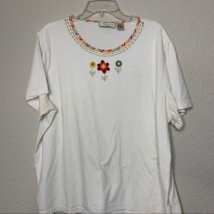 White shirt with Embroidered Floral Designs sz 2x